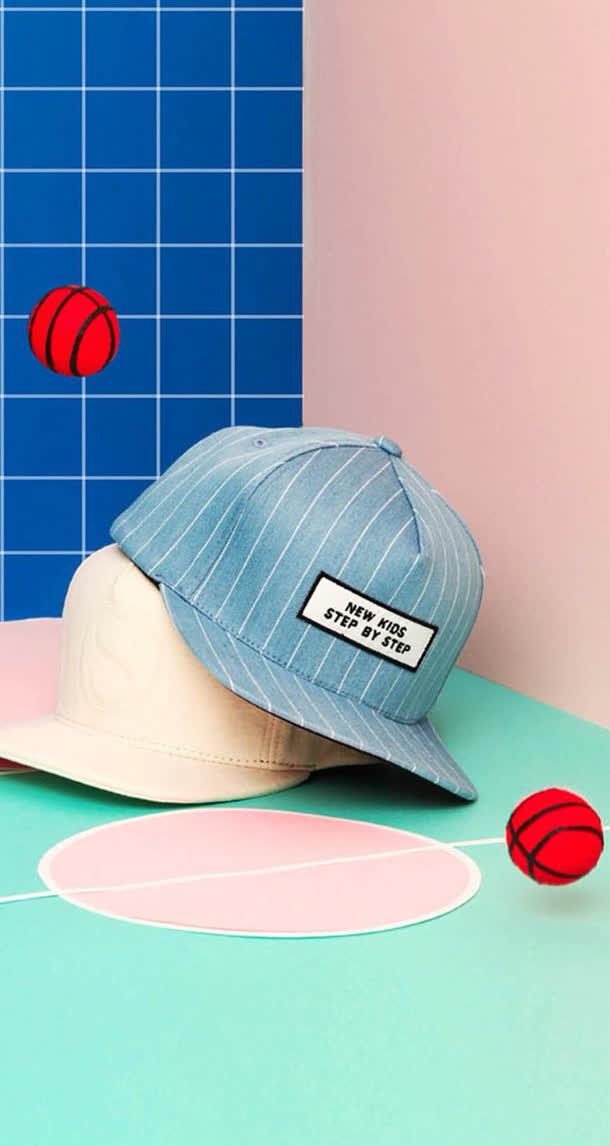 帽子卡通篮球场海报背景