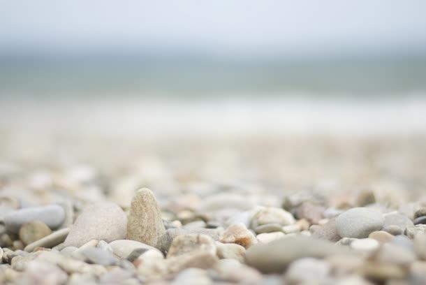背景元素 摄影风景 > 小清新海边石头壁纸  收藏 100 编号sjrsffugpa